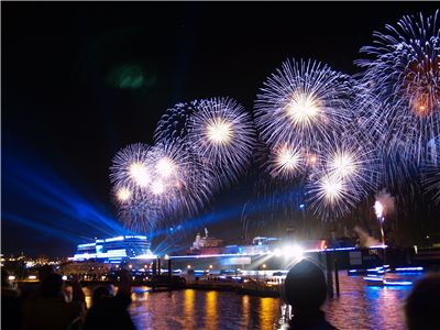 Picture Of Firework From The Ship